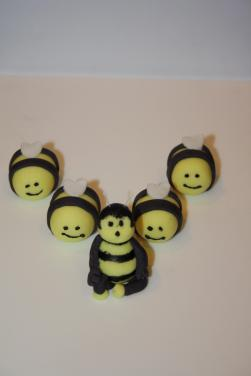 sugarpaste bees
