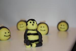 Sugarpaste Bee