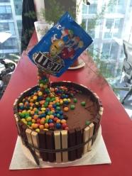 anti-gravity-cake-1