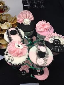 Cake International black, white and pink cupcake