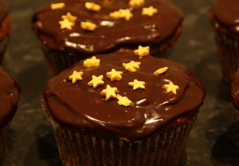 Chocolate fondant star cupcake